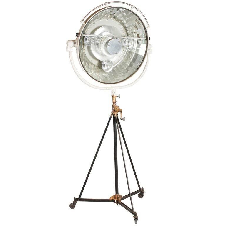 Monumental Surgical Lamp