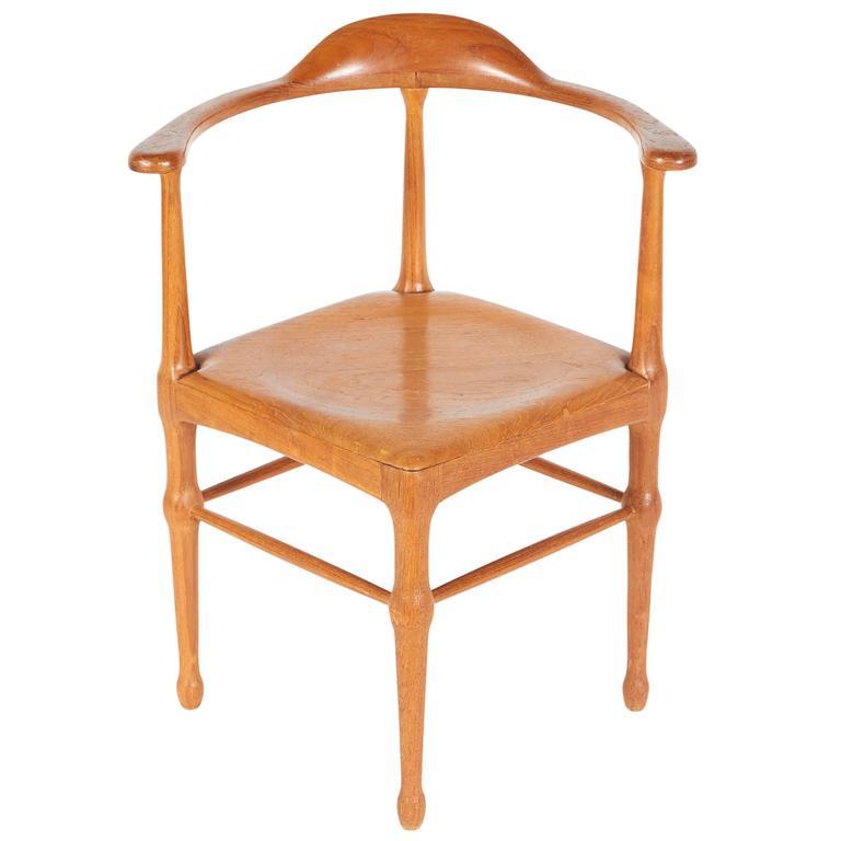 Vintage Model of Danish Mid-Century Corner Chair For Sale