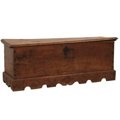 Spanish 18th Century Large-Size Carved-Wood Coffer or Trunk with Scalloped Skirt
