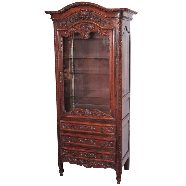 18th Century French Louis XV Carved Display Vitrine with Glass Door and Shelves