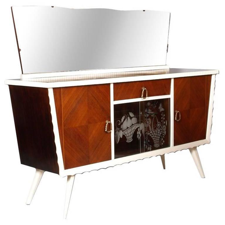 Mid-Century Ico Parisi manner Art Deco Credenza Buffet Walnut Laquered, Aplique