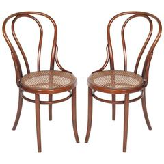 Early 20th Century Matched Pair of Classic Bentwood Thonet Chairs Thonet