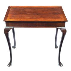 18th Century Queen Anne Small Mahogany Centre Table with a Tray Top