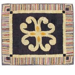 Vintage Early 20th Century American Folk Art Hooked Rug