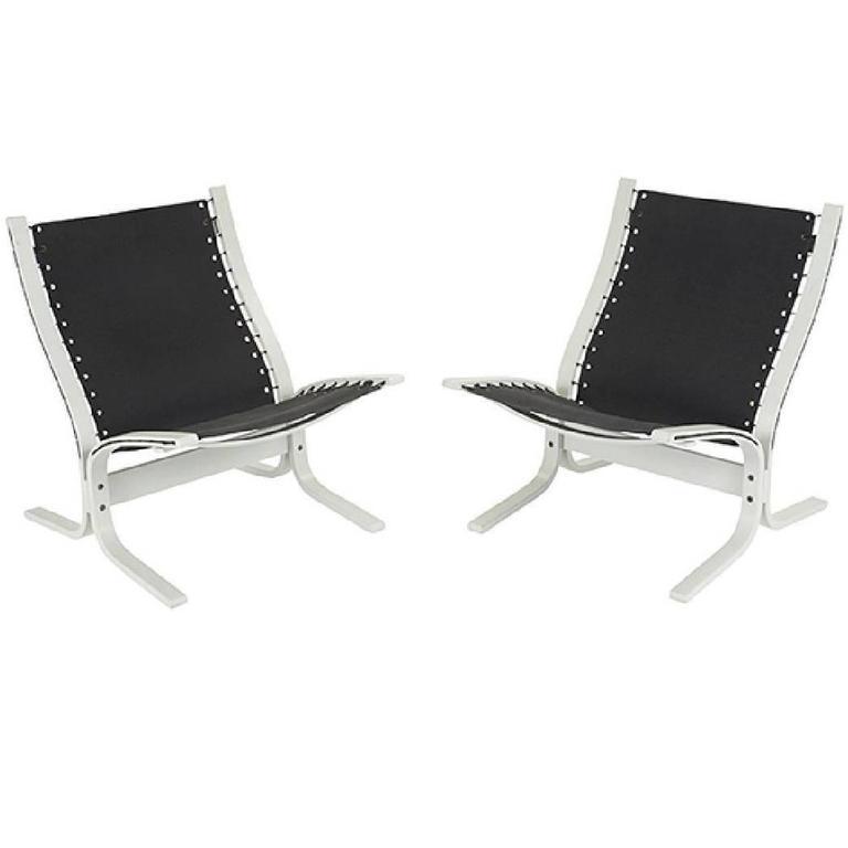 """Pair of """"Siesta"""" Lounge Chairs by Westnofa"""