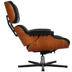 Mid-Century Modern Leather and Plywood Lounge Chair by Plycraft after Eames