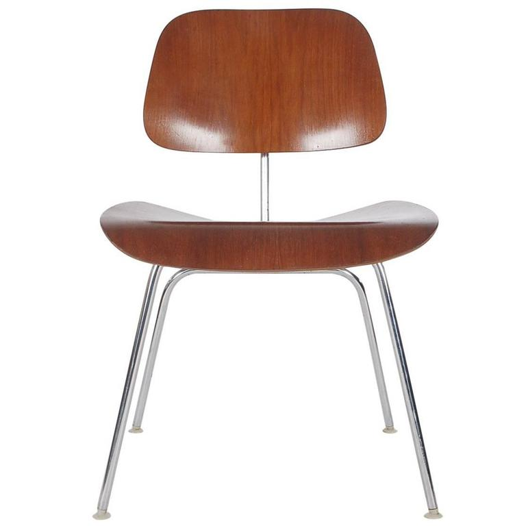 Mid-Century Modern DCM Dining or Side Chair by Charles Eames for Herman Miller For Sale
