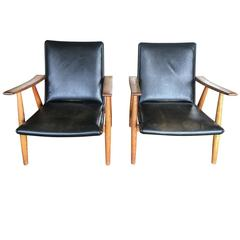 Pair of Hans Wegner Chairs Model 260