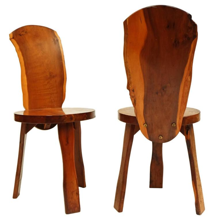 Charmant Pair Of 1950s Yew Wood British Reynolds Of Ludlow Chairs Like Nakashima For  Sale