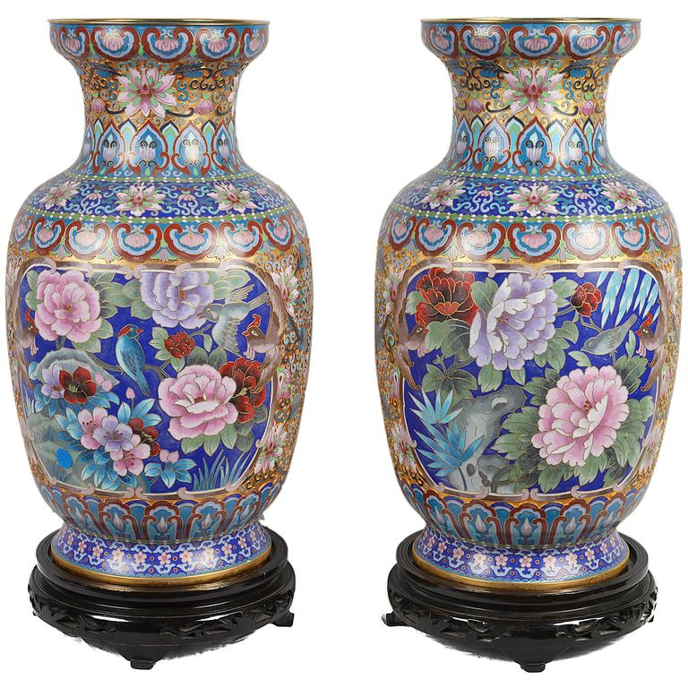 pair of chinese decorative cloisonn enamel vases for sale at 1stdibs. Black Bedroom Furniture Sets. Home Design Ideas