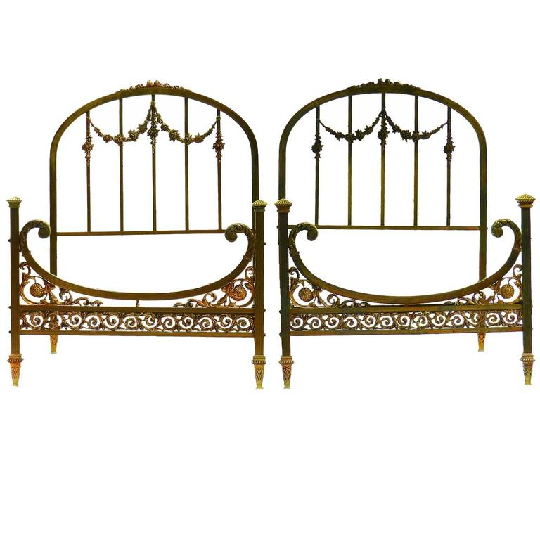 rare pair of twin beds single french belle