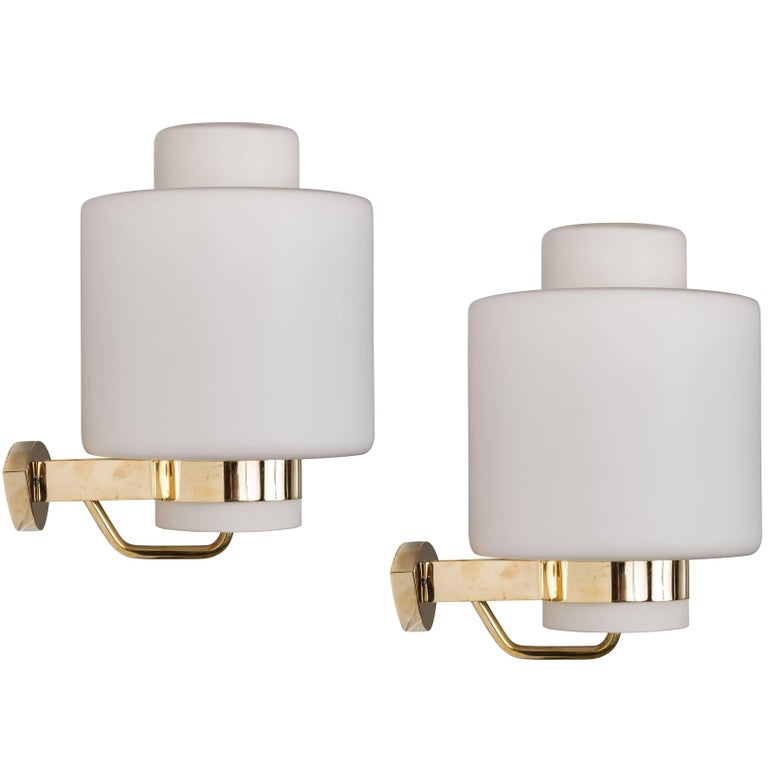 1950s Stilnovo '2120' Brass and Glass Sconces 1