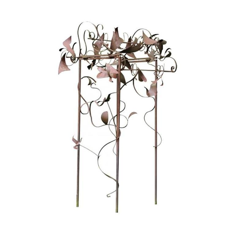 Superieur Unique Massive Trellis Type Iron Garden Sculpture For Sale