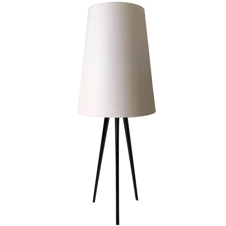 Floor lamp quotalta costuraquot design josep aregall for for Alta costura f floor lamp