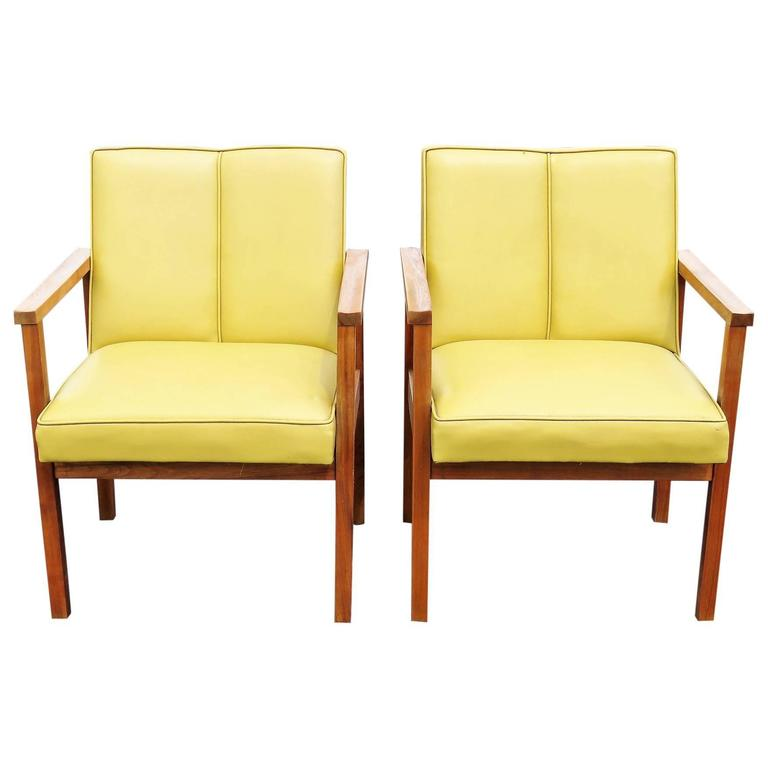Pair Of Danish Modern Walnut Lounge Chairs For Sale At 1stdibs