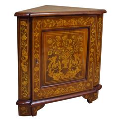 Early 19th Century Dutch Walnut Marquetry Corner Cabinet with Fine Inlay Work