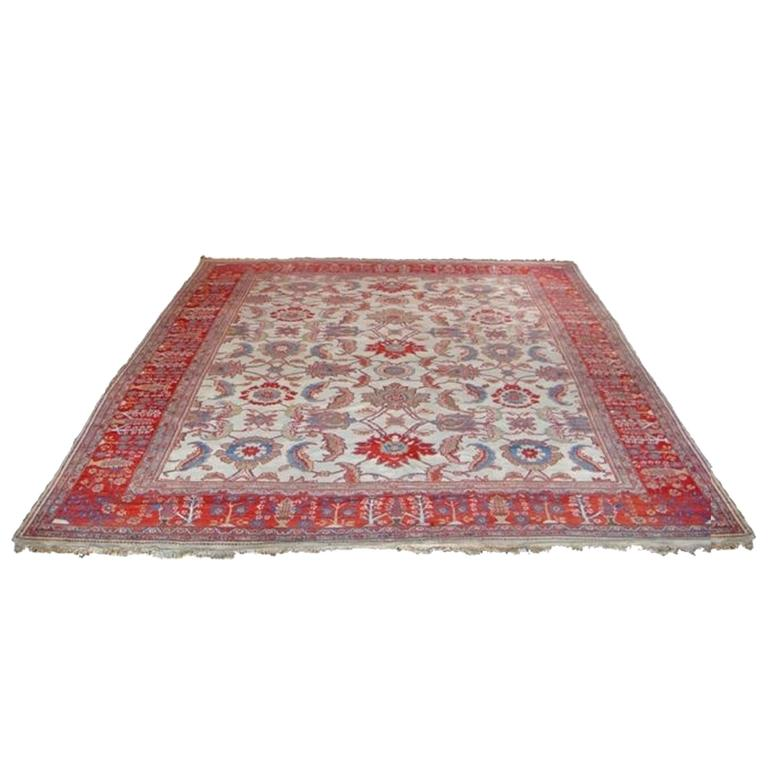 Rare and Important Ziegler Sultanabad Rug, Late 19th Century 1