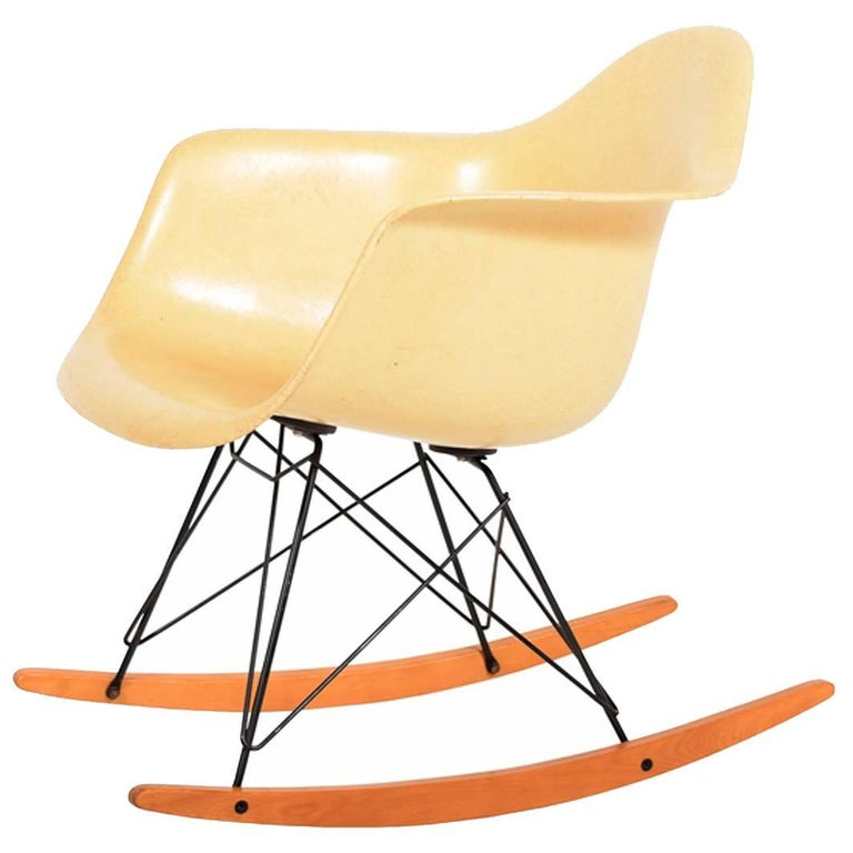 RAR Second Edition Rocking Armchair by Charles Eames for Herman Miller For Sale
