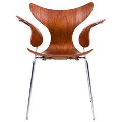 Arne Jacobsen Set of 12 Seagull Chairs in Teak