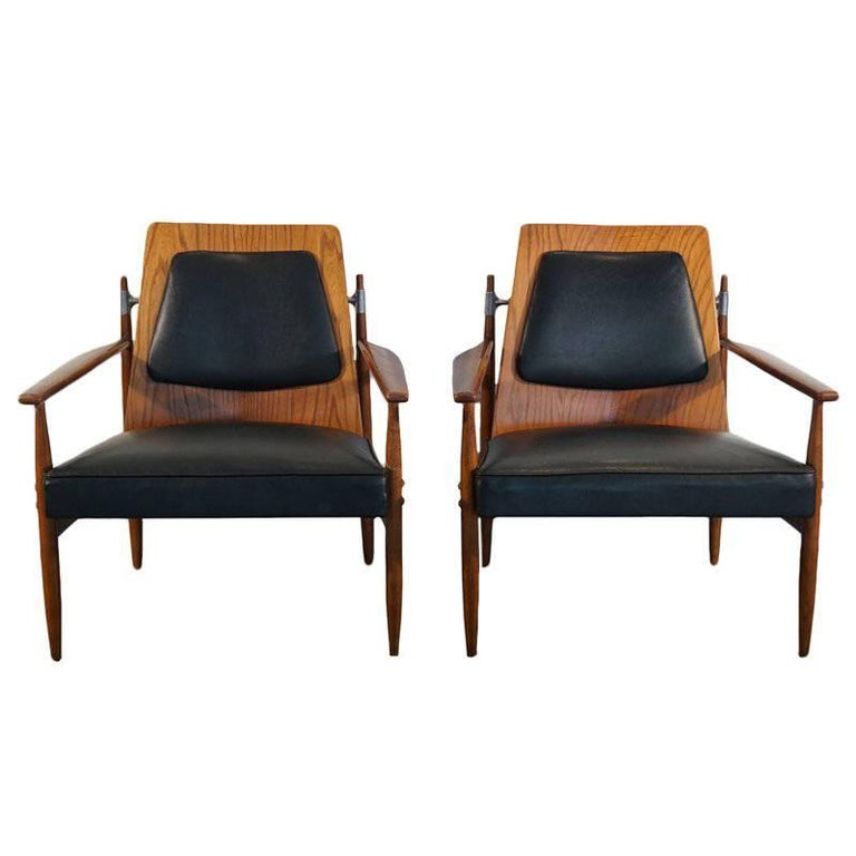 Rare Pair of Mid-Century Modern Red Elm Chairs 1