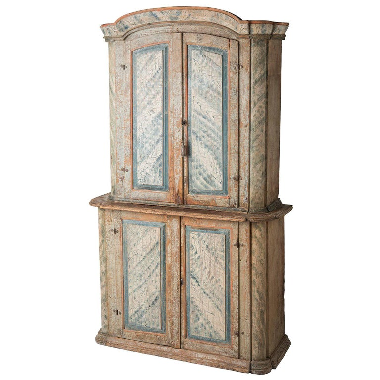 Swedish Rococo Period Original Painted Cupboard from Bergslagen, circa 1770 For Sale
