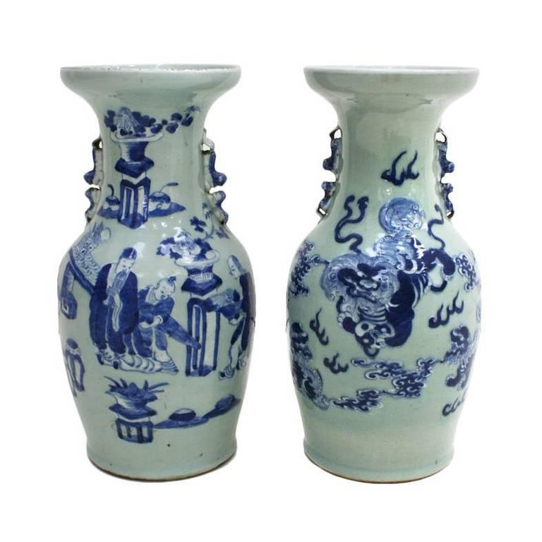 Pair of Chinese Vases For Sale