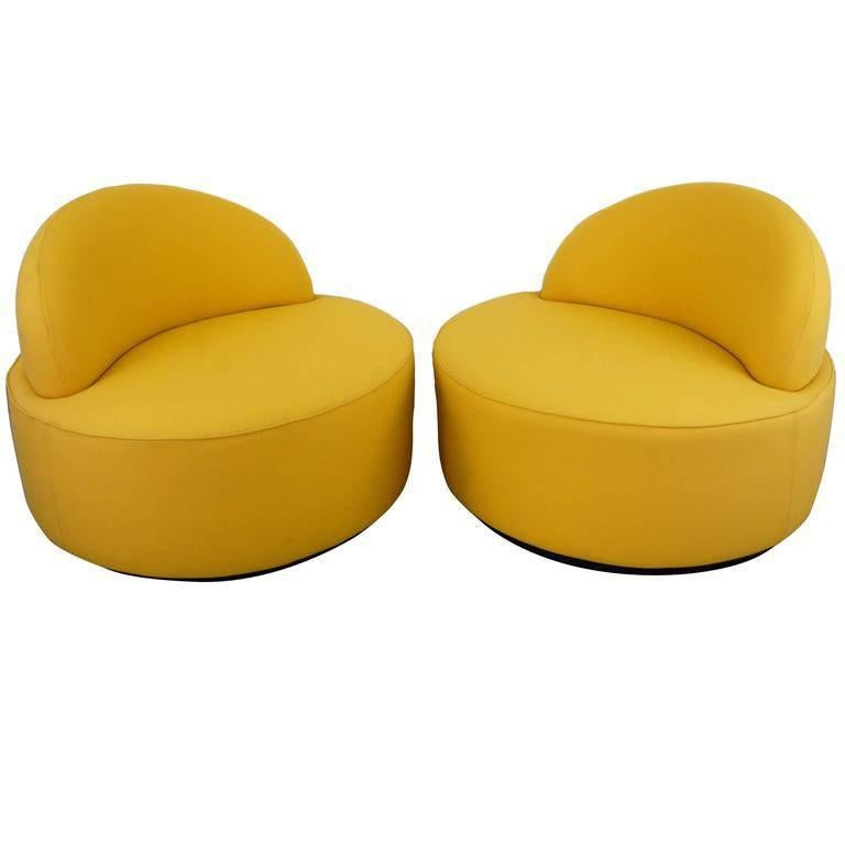 Superbe Vladimir Kagan Lounge Chairs For Roche Bobois For Sale