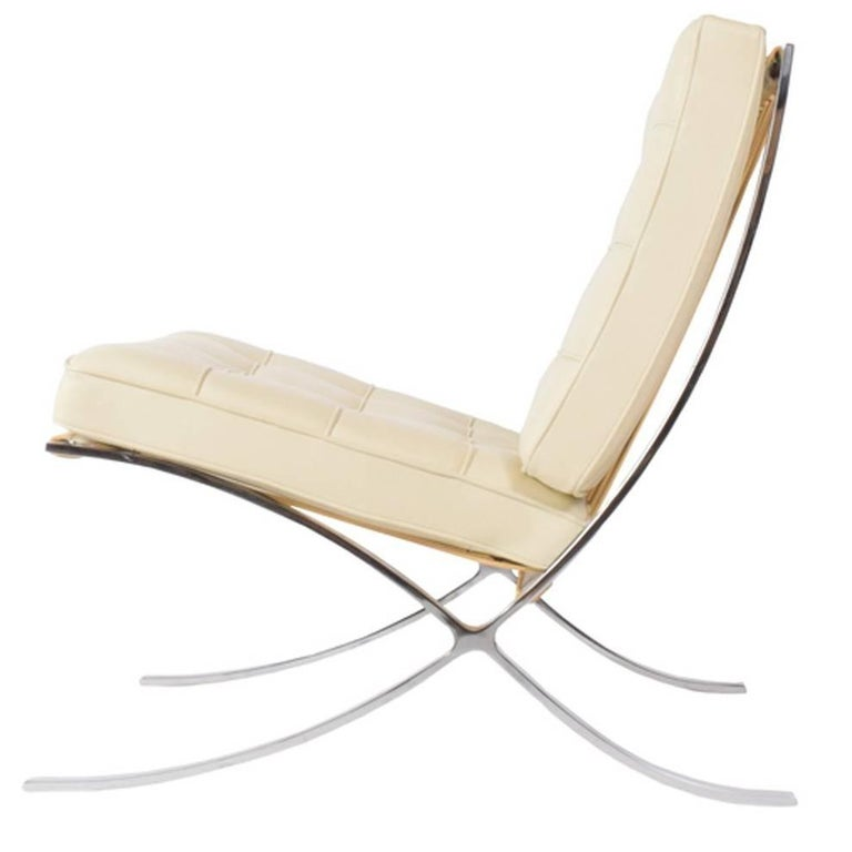 barcelona chair by mies van der rohe for knoll inc for sale at 1stdibs. Black Bedroom Furniture Sets. Home Design Ideas