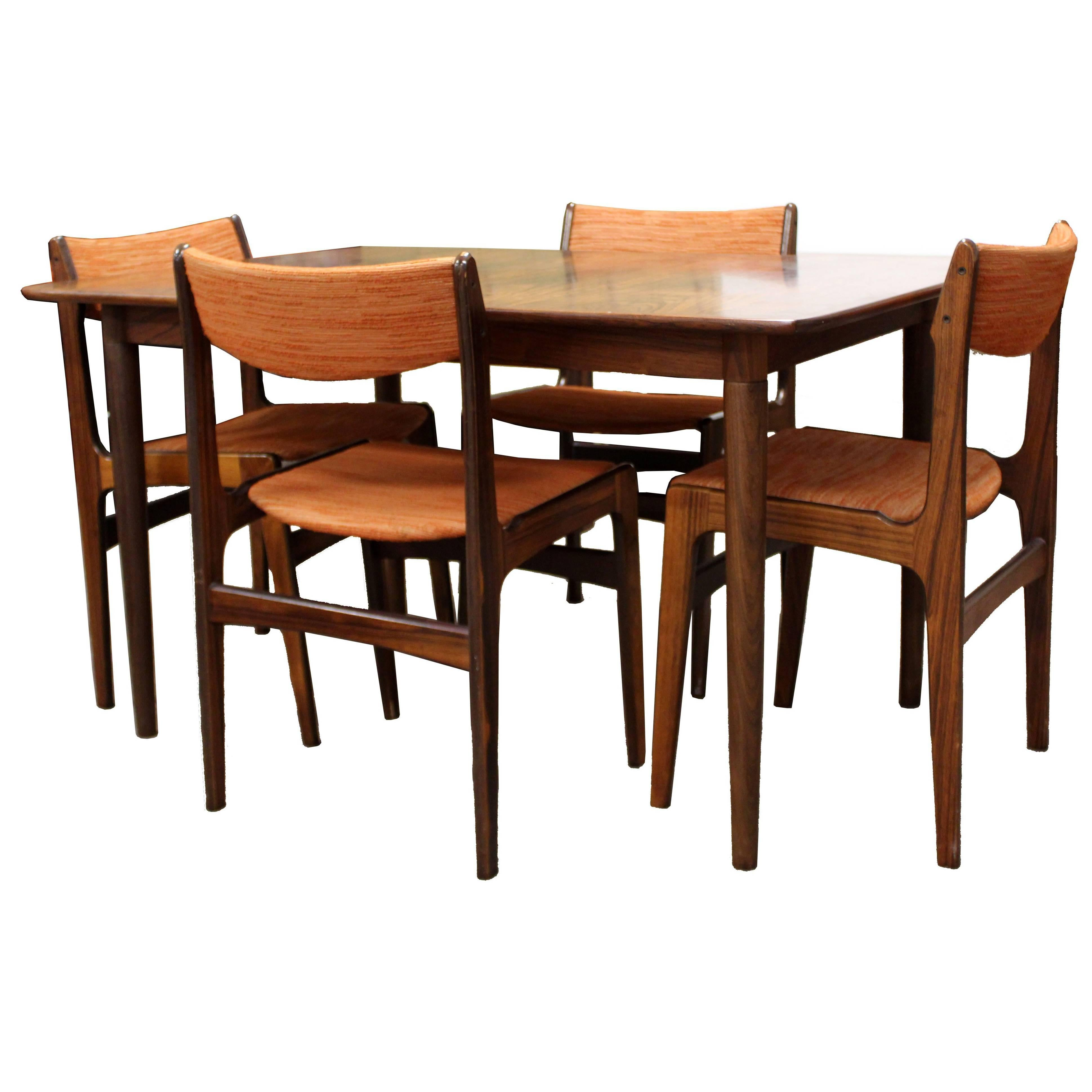 Mid Century Modern Danish Rosewood Expandable Dining Table U0026 Four Chairs,  1960s For Sale