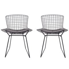 Mid-Century Modern Pair of Black Wire Side Chairs by Harry Bertoia for Knoll