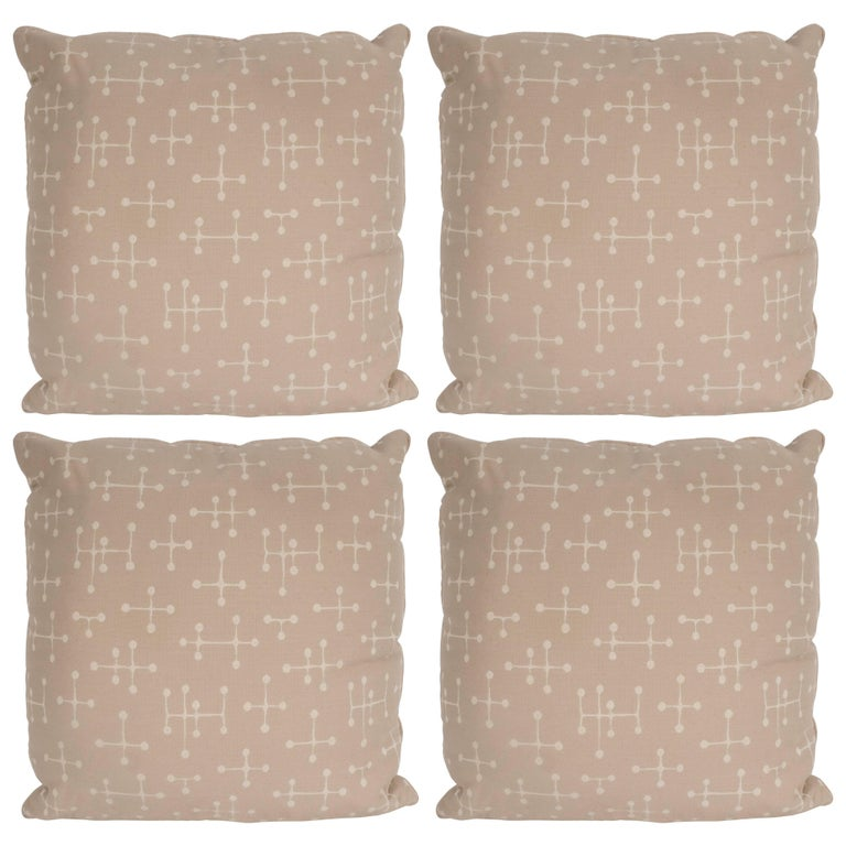 Set of Four Modern Beige Cotton Twill Pillows with Geometric Jacks Motif For Sale