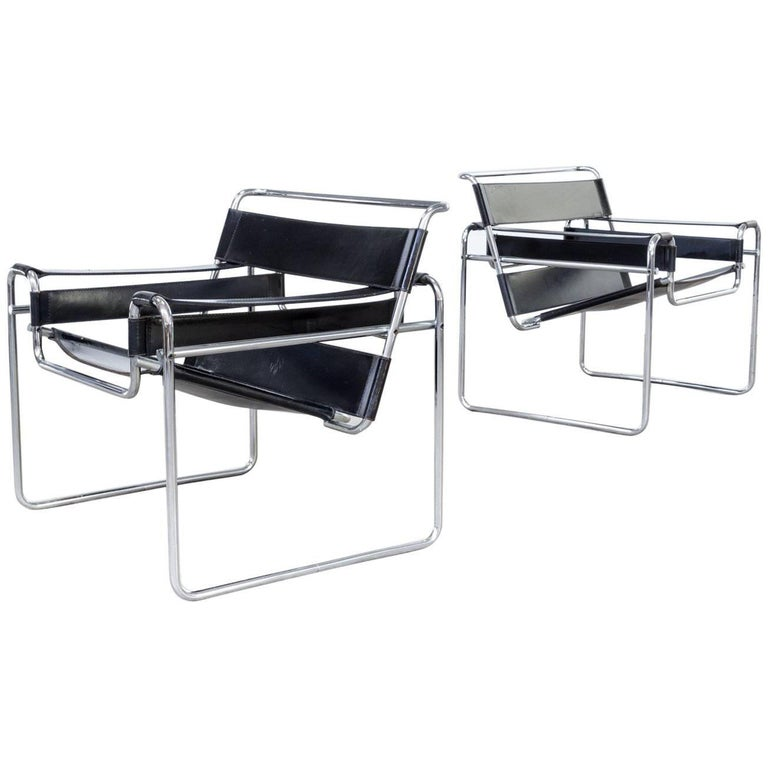 marcel breuer wassily b3 chairs black leather set of two for sale at 1stdibs. Black Bedroom Furniture Sets. Home Design Ideas