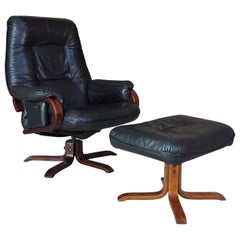Set of Scandinavian Leather Ottoman Recliner and Ottoman