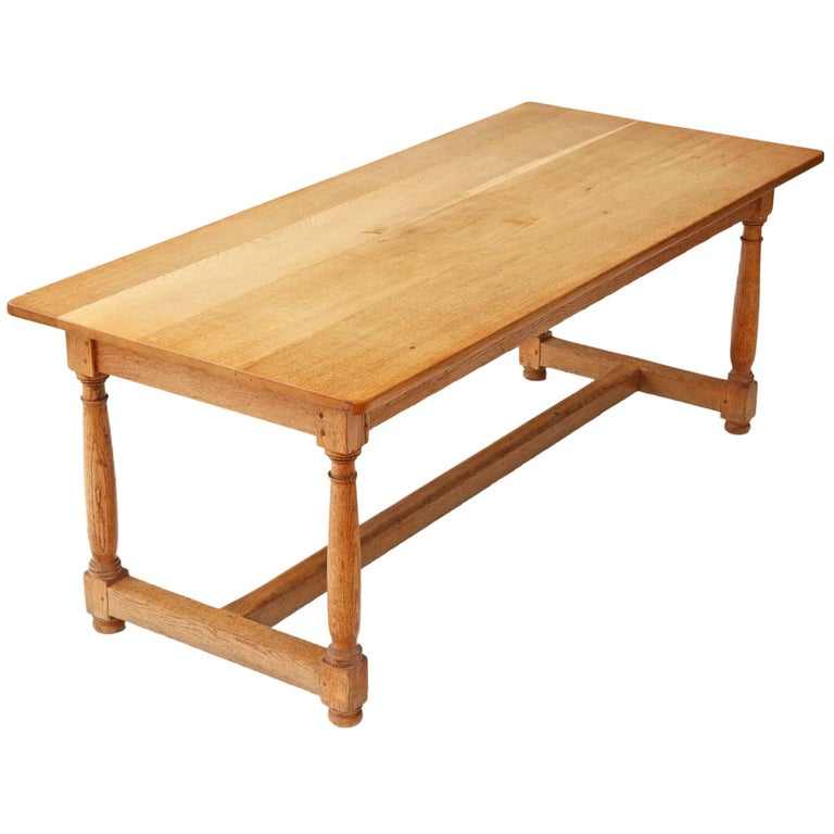 Antique quality large light oak refectory dining table for Dining room tables quality