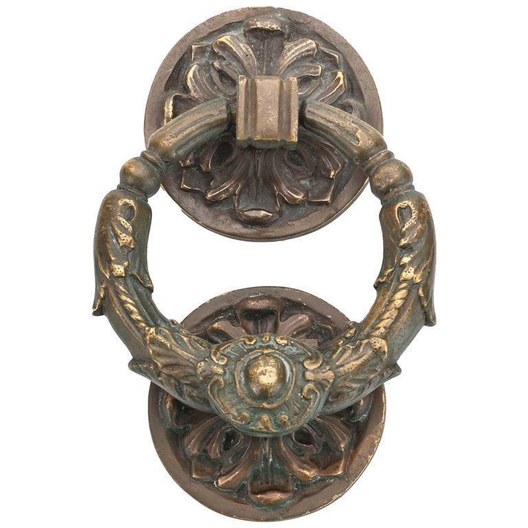 Antique French Wreath Style Bronze Door Knocker For Sale - Antique French Wreath Style Bronze Door Knocker For Sale At 1stdibs