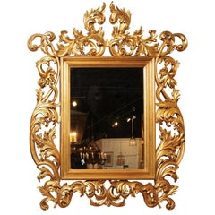 Italian Hand-Carved Mirror with Gold Leaf Finish and Acanthus Leaves Décor