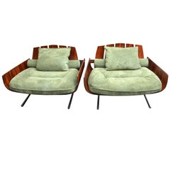 "Pair of Brazilian ""Presidencial"" Lounge Chair by Jorge Zalszupin"