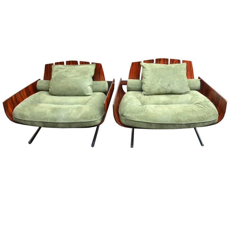 "Pair of Brazilian ""Presidencial"" Lounge Chair by Jorge Zalszupin"
