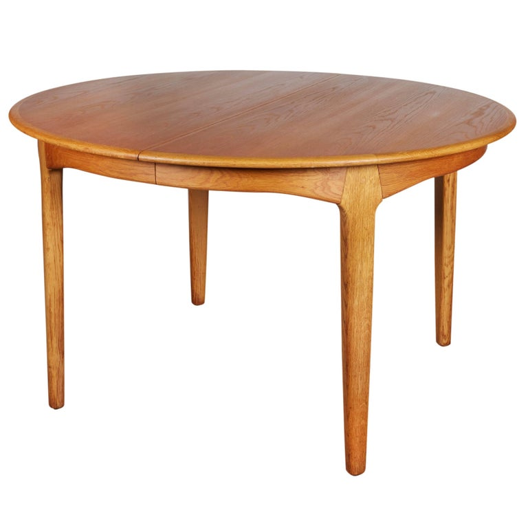 Henning Kjaernulf Round Dining Table 1