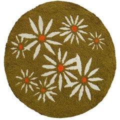 Avocado Green Round Daisy Rug