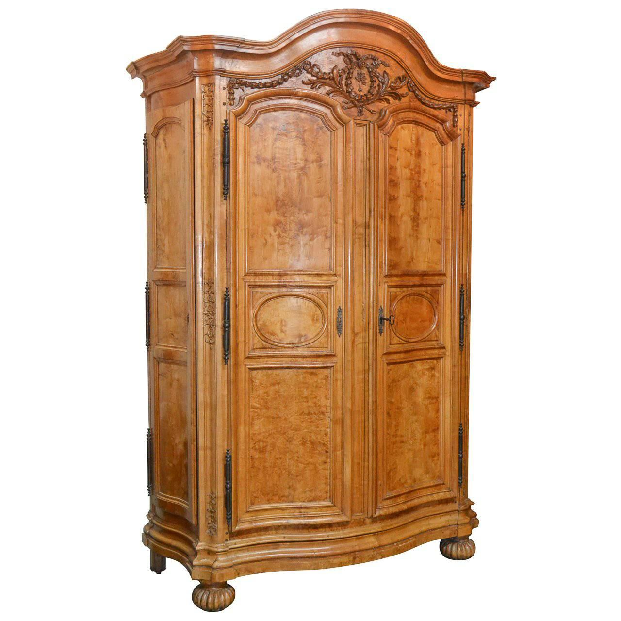 Superbe Incredible 18th Century French Armoire From Lyon For Sale