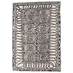 Black on White Estambul Hand-Tufted Wool Rug by Javier Mariscal Medium