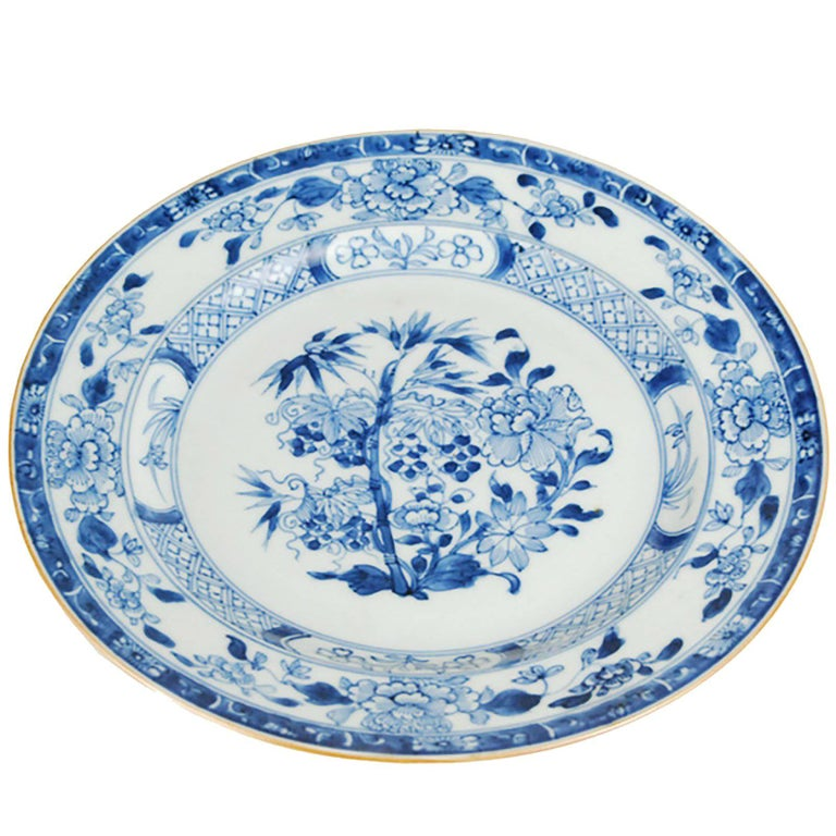 Chinese Blue and White Plate with Floral Motif For Sale