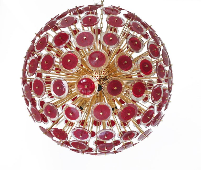 Vintage sputnik chandelier with 207 red Murano glasses by Vistosi on new 24-karat gold metal finish frame by Fabio Ltd. 16 lights / E27 type / max 40W each Diameter: 43 inches / Height: 43 inches plus chain. One in stock in Palm Springs. Order