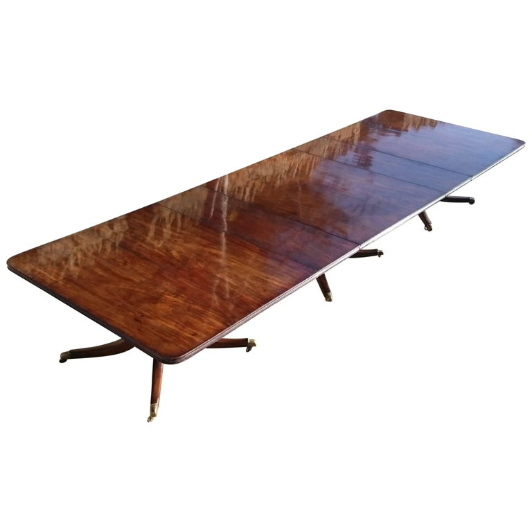 Large-Scale Important Early 19th Century Irish Three-Pedestal Dining Table