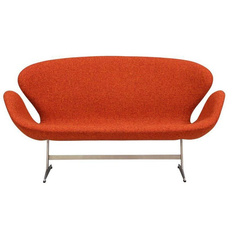 "Arne Jacobsen ""Swan"" Sofa for Fritz Hansen For Sale"