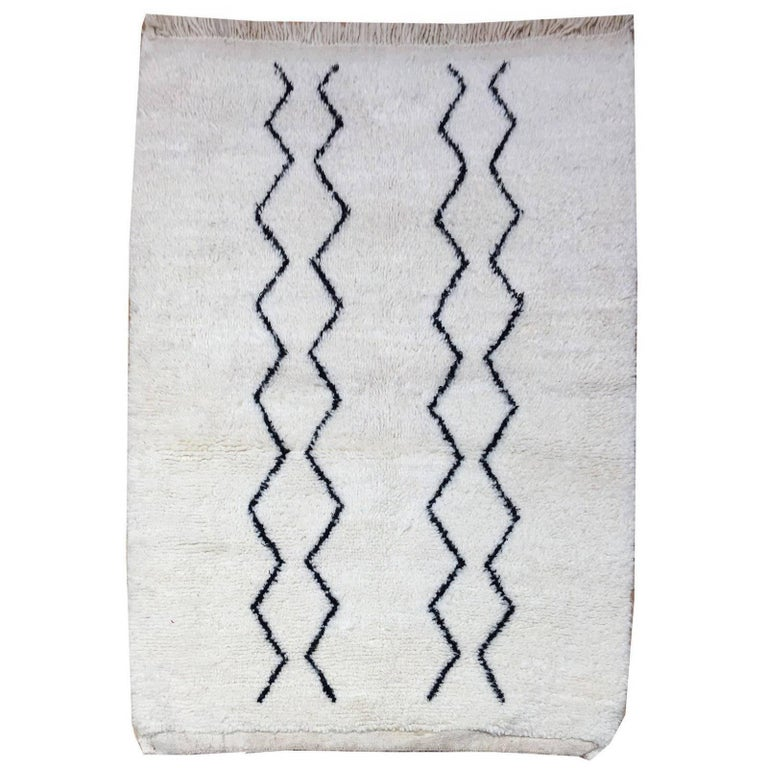 Modern Moroccan Rug, North African Beni Ourain Tribal Carpet Wool White & Black