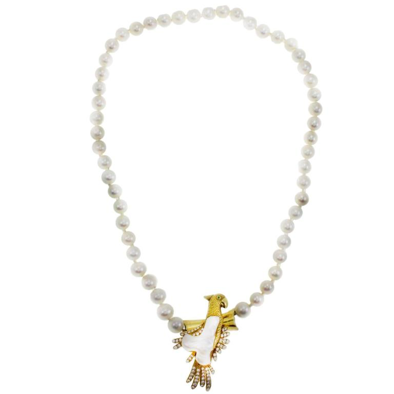 Pearl Necklace and Parrot Gold Brooch/Clasp For Sale