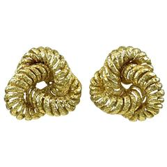 Van Cleef & Arpels Paris Gold Knot Earclips