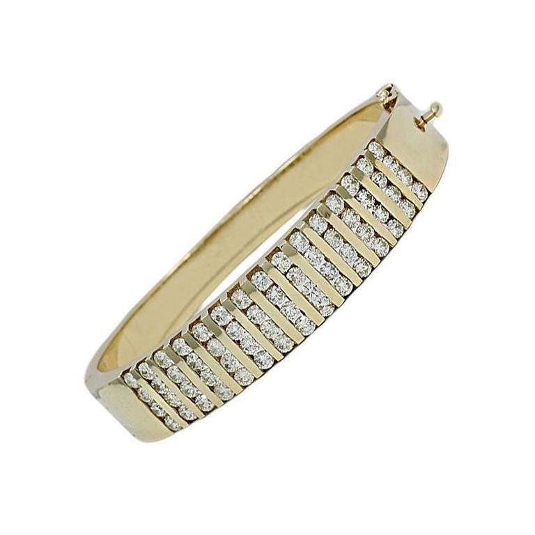 Round Brilliant Diamond Channel Set Yellow Gold Bracelet
